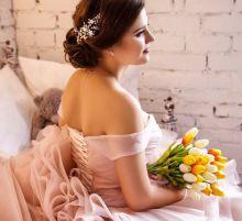 Свадебная прическа в исполнении Анны Кулик